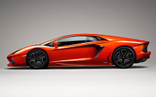 Lamborghini Aventador LP700-4 wallpapers